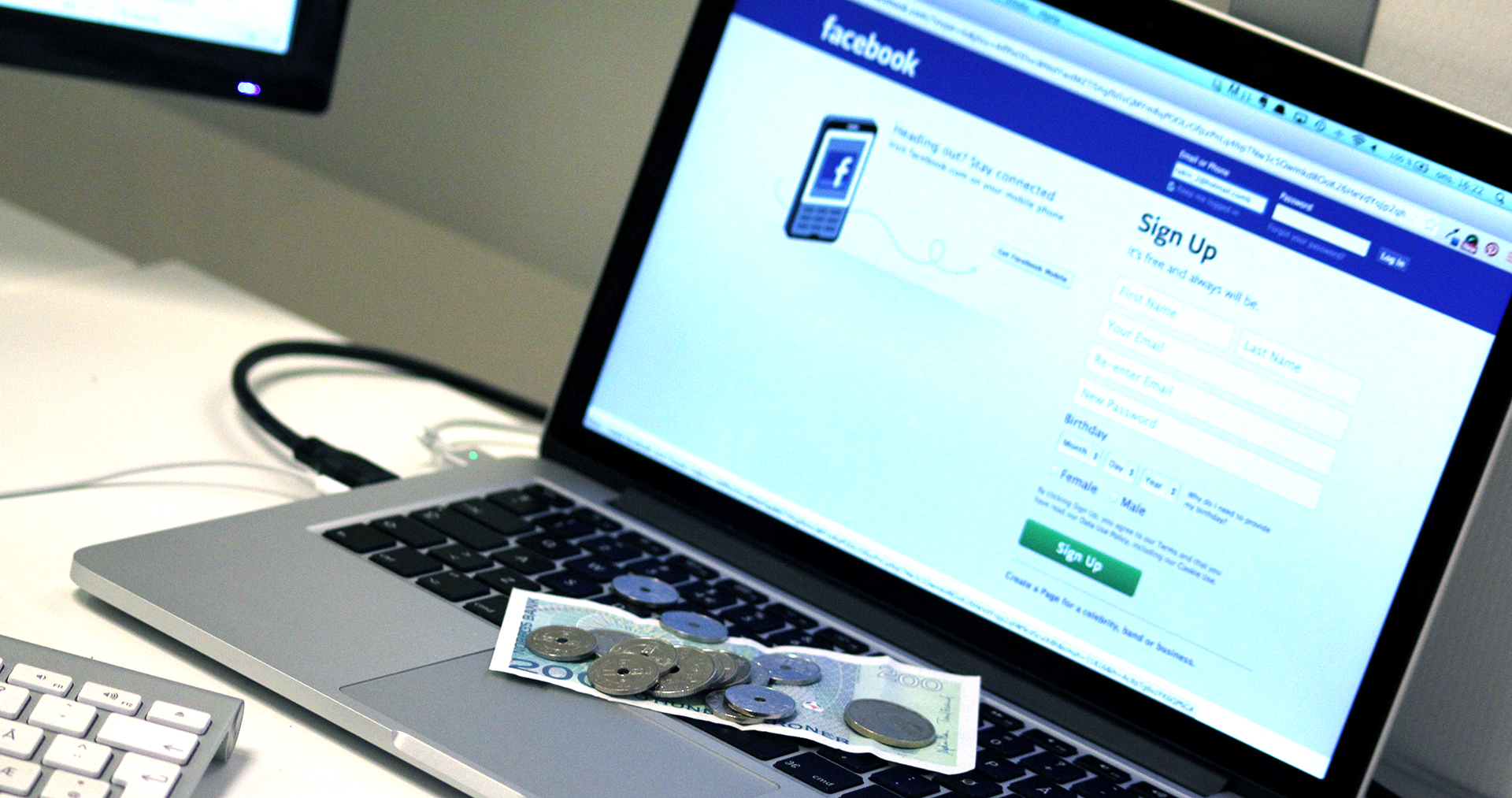 Relax internet, Facebook is not a fraud